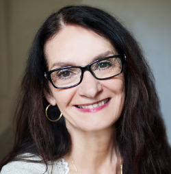 Yvonne Friargiu